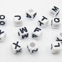 Korálky písmenká štvorcové 6 x 6