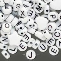 Korálky písmenká okrúhle 7 mm