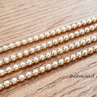Štrasová borta perličková - Biela na zlate - 2 mm - cena za 10 cm