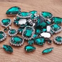Našívacia aplikácia s lôžkom - Náhodný Mix 50 kusov - Emerald