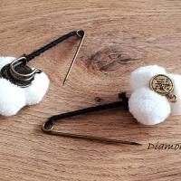 Brošňová Pompom spinka - Biela