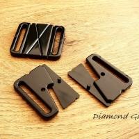 Plavkové zapínanie plastové - 37 x 36 mm - čierne