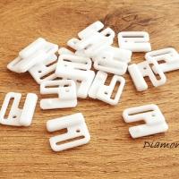 Plavkové zapínanie plastové - 18 x 15 mm - biele