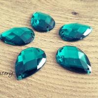Ozdobné kamienky našívacie 17 x 25 mm - Smaragdovo Zelené - 5 kusov