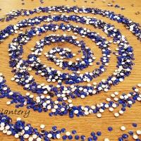 Ozdobné kamienky 4 mm - Kráľovská modrá - 100 kusov