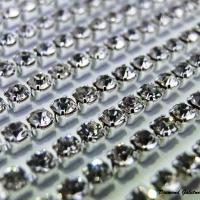Štrasová borta Crystal 2 mm - cena za 10 cm