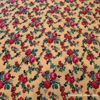 Krojova látka - červené kvety malé na žltom podklade - cena za 10 cm