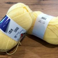 Lada luxus - 54033 - Žltá
