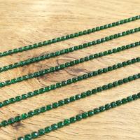 Štrasová borta - Emerald - cena za 10 cm