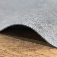 Filc - šedý - cena za 10 centimetrov