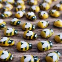 Ozdobná včielka nalepovacia 9 x 13 mm